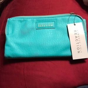 NWT teal Kennth Cole Reaction clutch